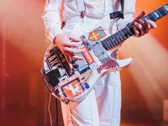 jamie-lenman-battered-guitar-derekbremner.jpg