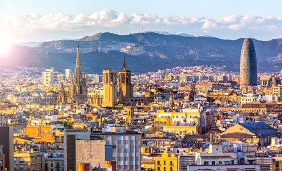 Barcelona city guide what to do on a weekend break in spains barcelona skylineg stopboris Gallery