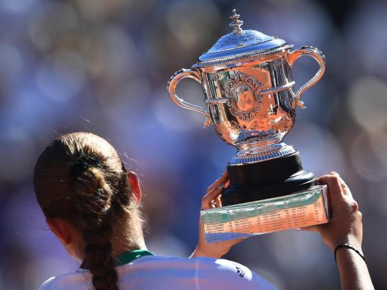 ostapenko-trophy.jpg
