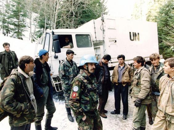 dutch-peacekeepers-srebrenica.jpg