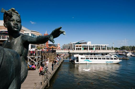 cardfirrwater-taxi-cardiff-bay.jpg