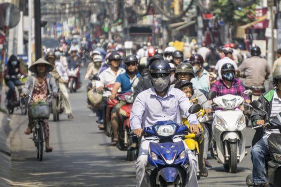mopeds-hcmc.jpg