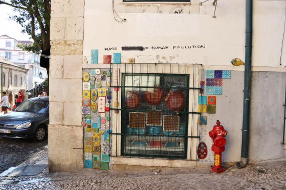 spotted-in-lisbon-by-yvonne-gordon-not-part-of-the-tour.jpg