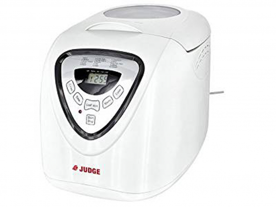 This Basic Bread Maker Has The Ability To Make Either A 700g Or 1kg Loaf With A Choice Of Light Medium Or Dark Crusts There Are 15 Pre Set Programmes