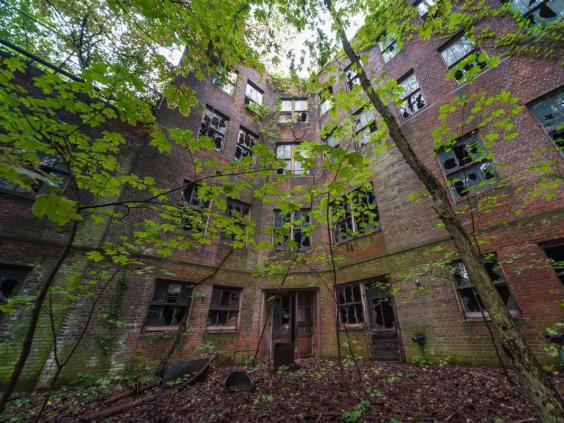 North Brother Island Tour