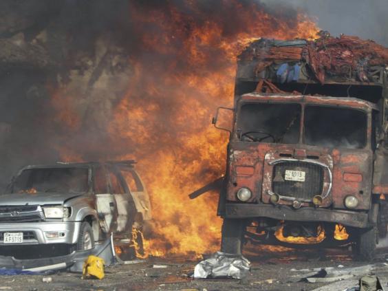 mogadishu-truck-bomb.jpg