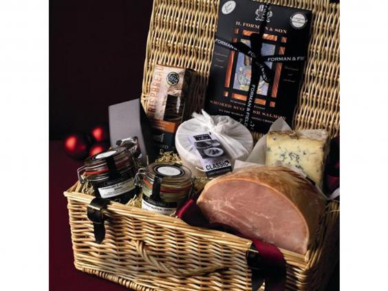 11 best christmas food and drink hampers the independent forman field christmas in a basket 13995 forman field negle Gallery