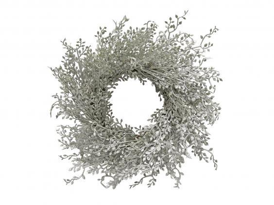 12 Best Artificial Wreaths
