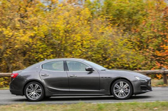 car review 2017 maserati ghibli s granlusso the independent. Black Bedroom Furniture Sets. Home Design Ideas