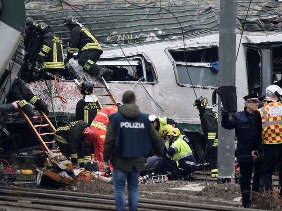 milan-train-crash-02.jpg