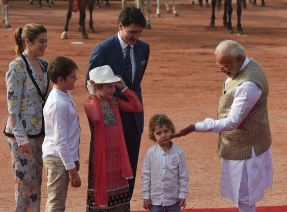 Hadrien saat bertemu perdana menteri India