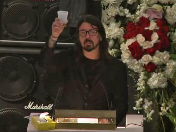 lemmy-funeral-dave-grohl.jpg