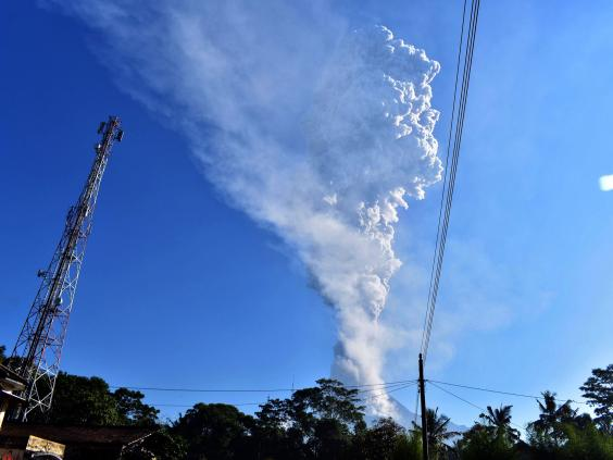 indonesia-volcano-java-merapi.jpg