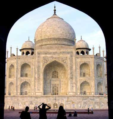 The Complete Guide To: India's Golden Triangle | The Independent on agra new delhi india map, taj mahal india location on map, madrid tourist map, agra uttar pradesh india map,