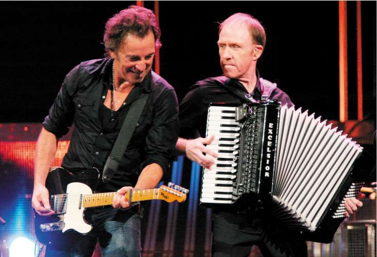 Bruce Springsteen and Danny Federici perform on stage in Pittsburgh, 2007