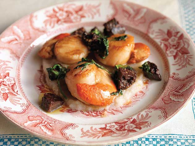 Scallops with black pudding and jerusalem artichoke pure the place the scallops on top of the jerusalem artichoke pure then spoon the butter and black fandeluxe Choice Image