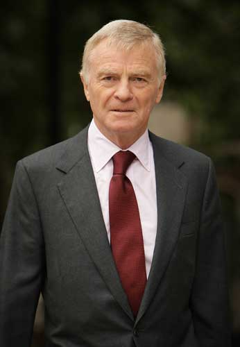 Max Mosley has accused the 'News of the World' of inconsistency
