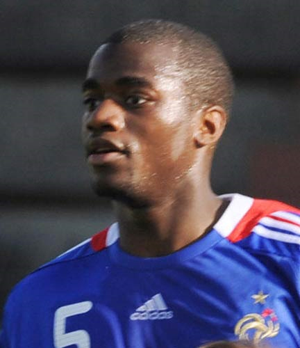 Bassong joins Tottenham for a fee in the region of £8m