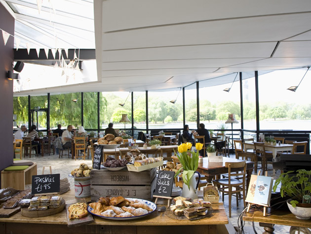The Serpentine Gives Plenty To Gander At But Is The Food At Hyde
