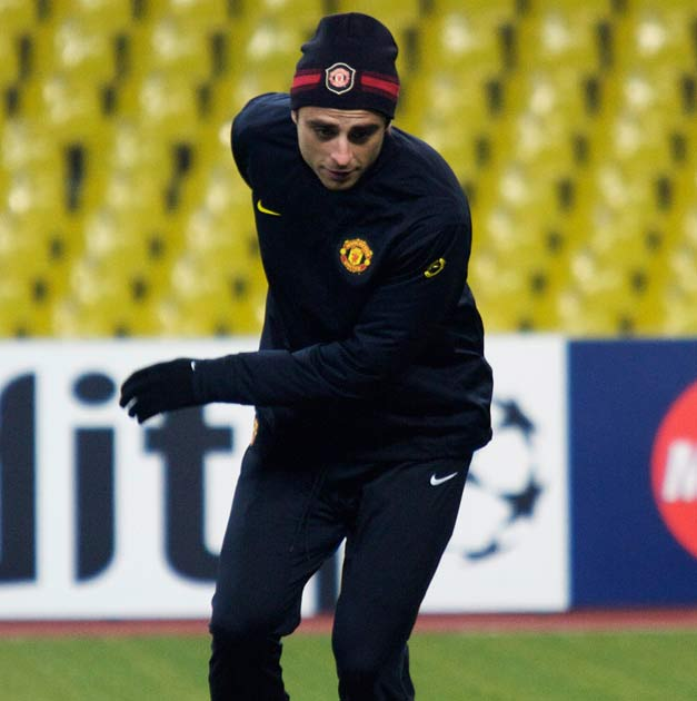 Berbatov will replace Rooney should the England striker be deemed unfit