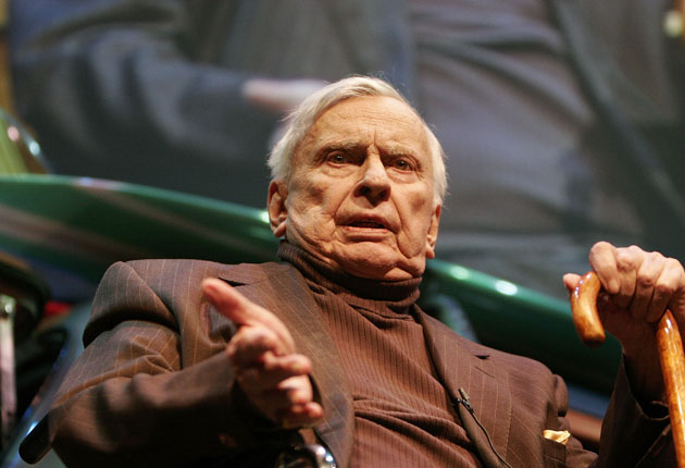 Celebrated author, playwright and commentator Gore Vidal has died