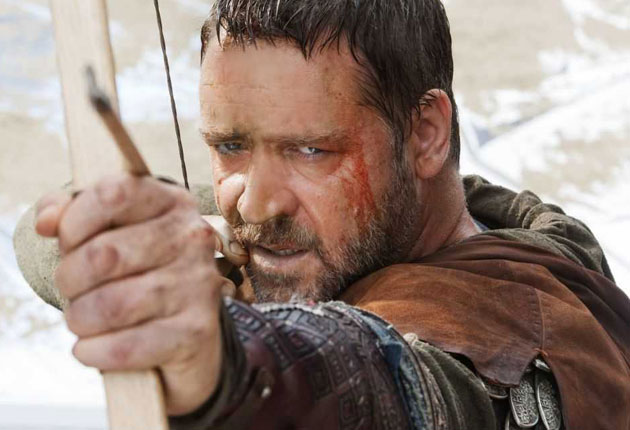 Russell Crowe swore after a BBC presenter suggested that hints of his Robin Hood accent did not sound English.