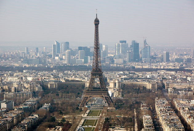 A man has stabbed a French soldier in the neck in Paris