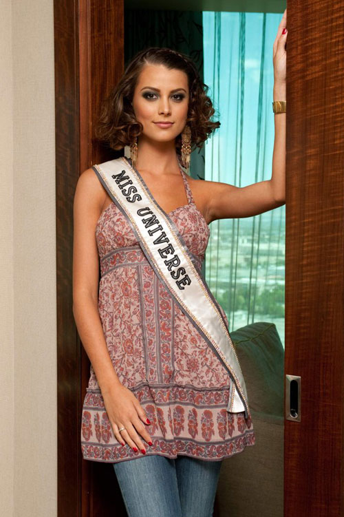 Miss Universe 2009 says her replacement is clear | The Independent