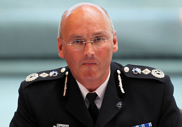 Former Metropolitan Police Commissioner Sir Paul Stephenson says the alleged discovery of pornography was a 'side issue'