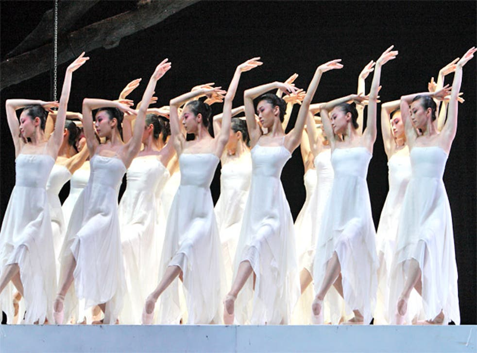 The National Ballet of China performing Peony Pavilion at the Edinburgh International Festival