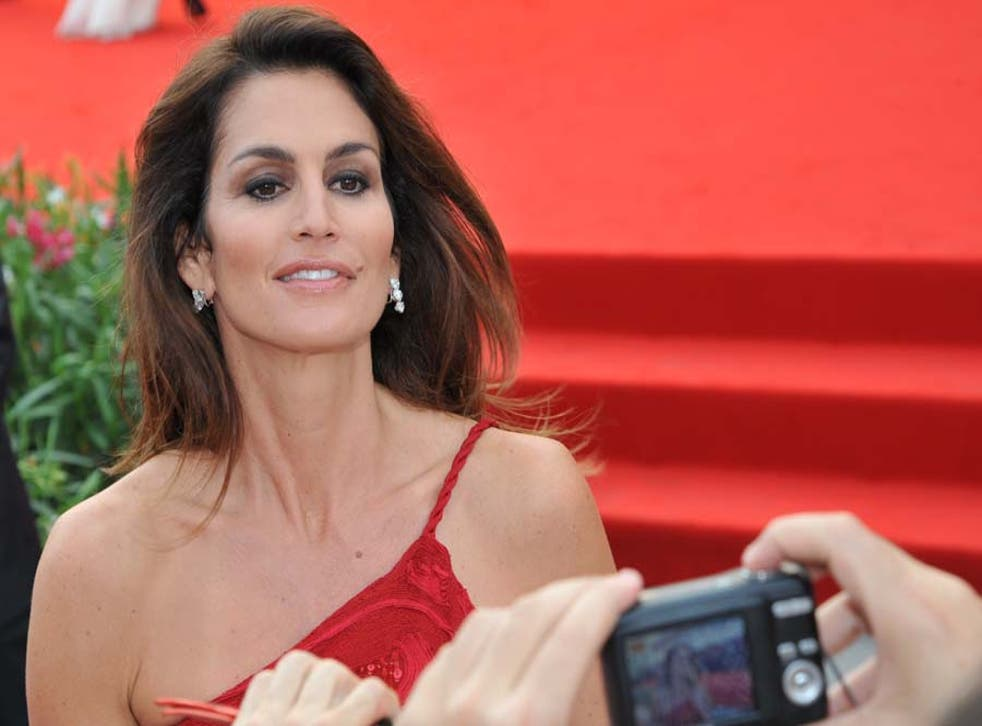 Model Cindy Crawford is taking part in a campaign to show how bodies look without being re-touched
