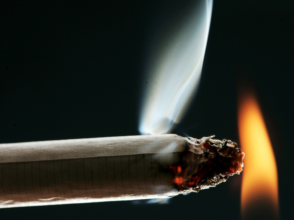 Researchers concluded that while there is still a strong association between smoking and lung cancer, there is no significant relationship between the cancer and exposure to passive smoke