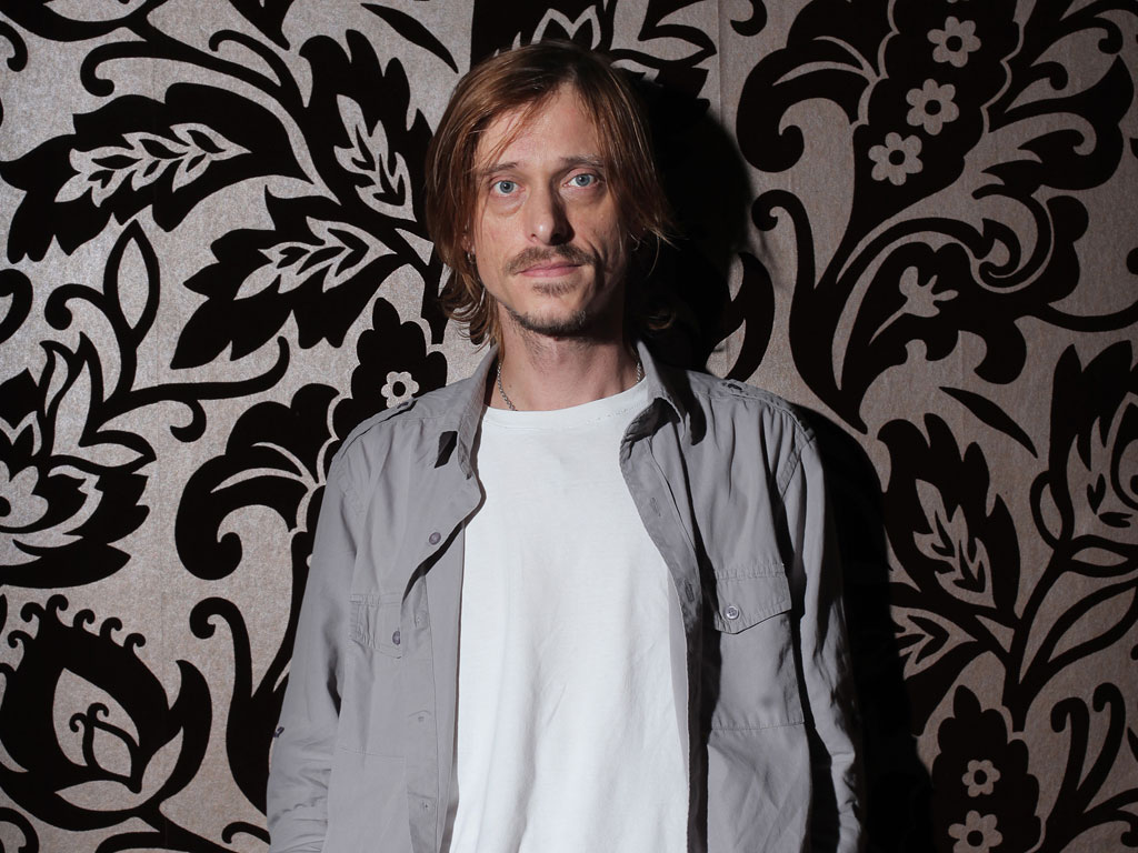 Mackenzie Crook (born 1971) Mackenzie Crook (born 1971) new photo
