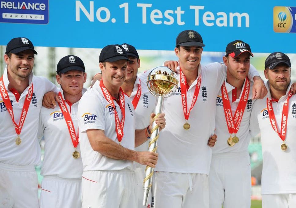 The England Test Team Celebrate Their 4 0 Victory Over India In Summer That