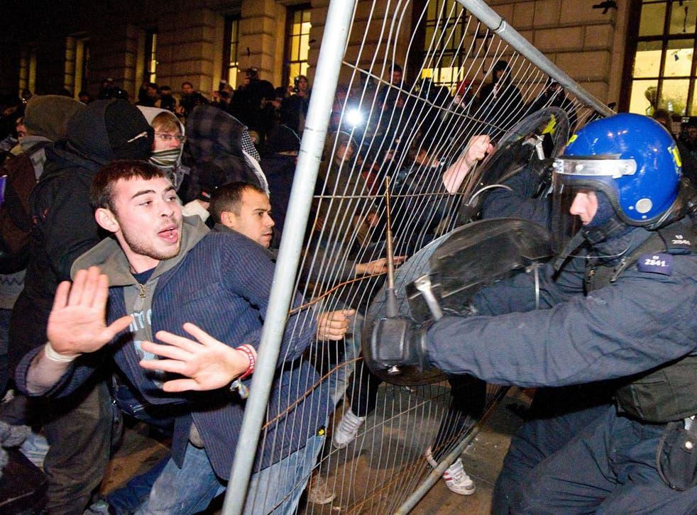 Police plan huge presence for student protest