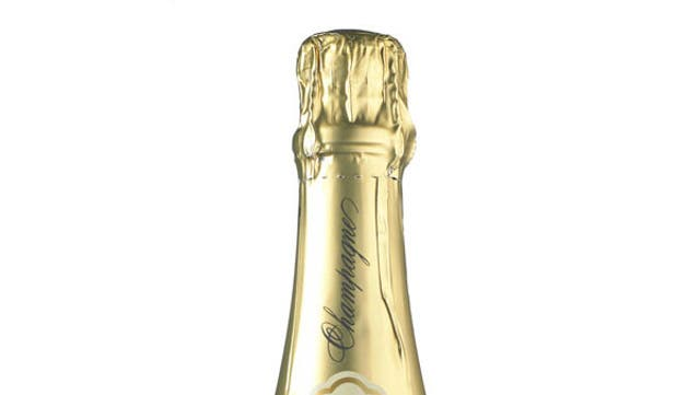 Light and crisply refreshing: Les Pionniers NV Champagne
