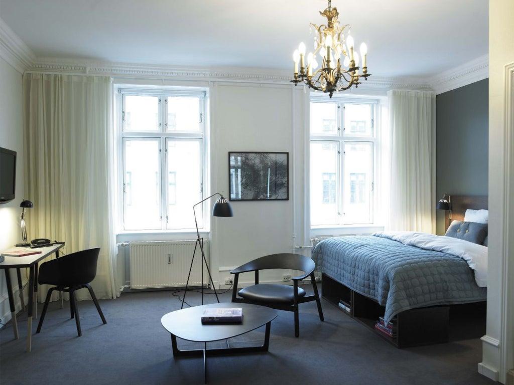 Hotel Stay Kopenhagen : Hotel room in central copenhagen lovely view and free wi fi