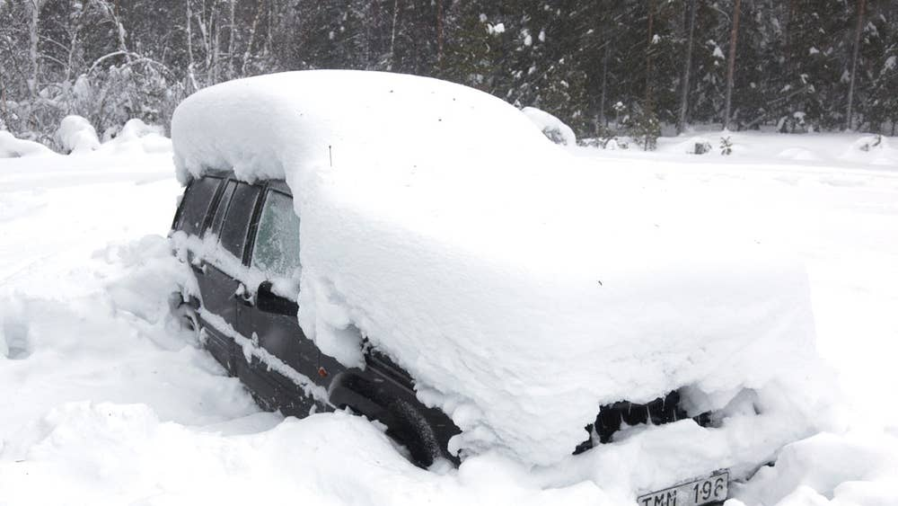 how did a man buried in this frozen car for two months come out of