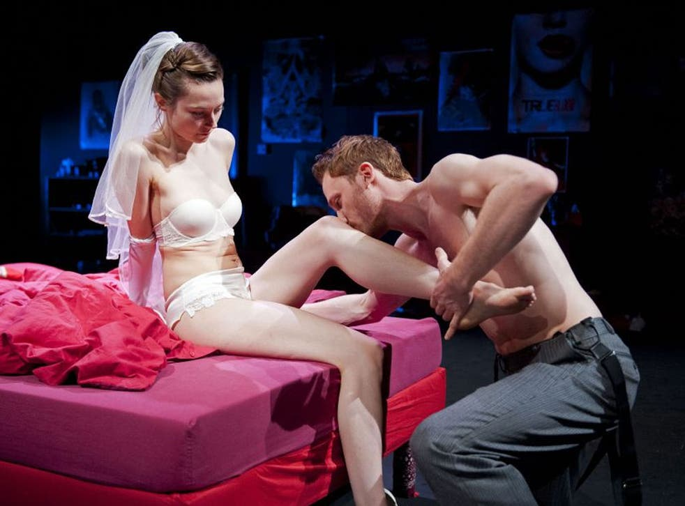 Lydia Wilson (Annabella) and Jack Hawkins (Soranzo) in 'Tis Pity She's a Whore