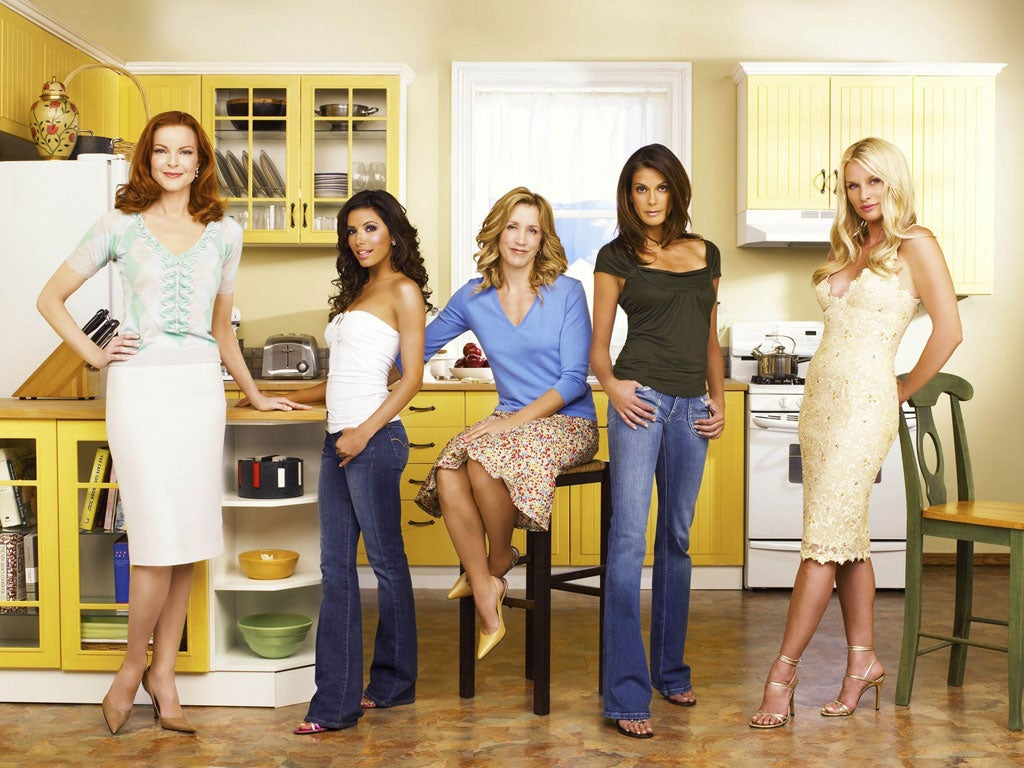 Desperate Housewives star had 'big behavioural problems', series creator claims in letter of support for Felicity Huffman