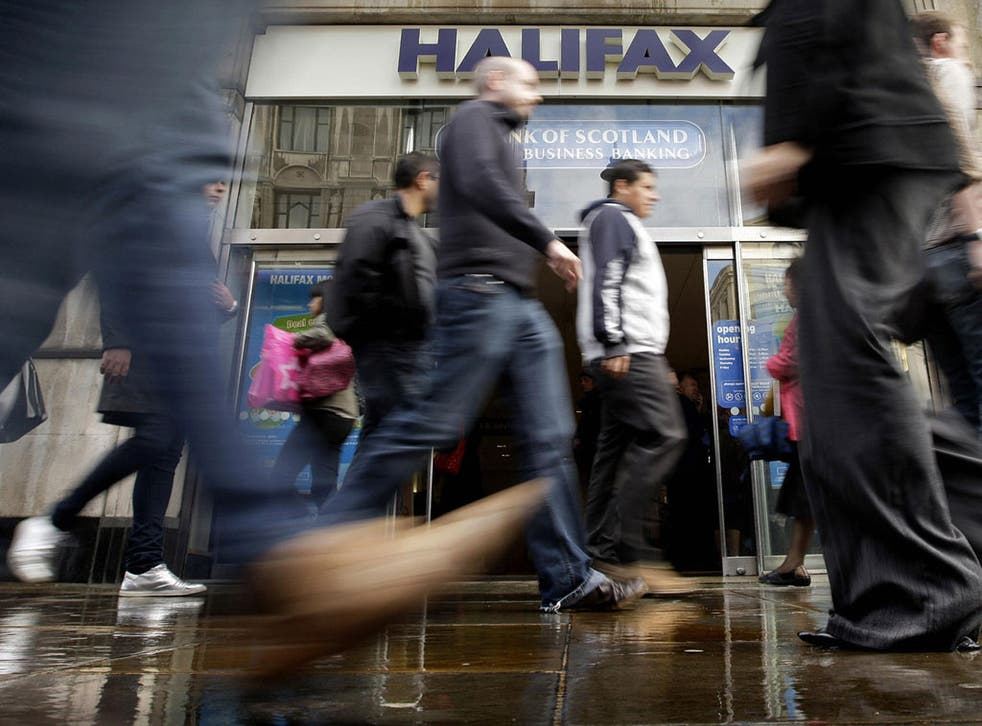 Halifax's Three-year ISA Saver Fixed earns 4.25% gross AER, permits transfers and requires a minimum balance of £500