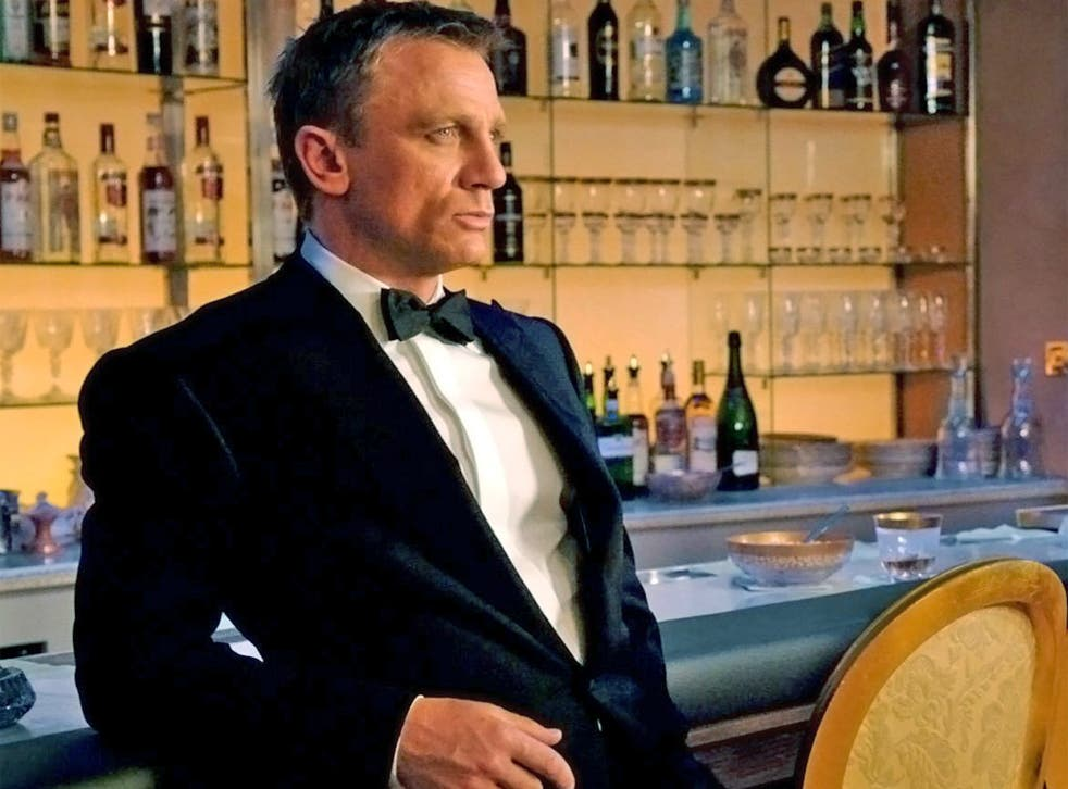 Licence to swill: Daniel Craig's Bond will cut back on martinis in favour of Heineken