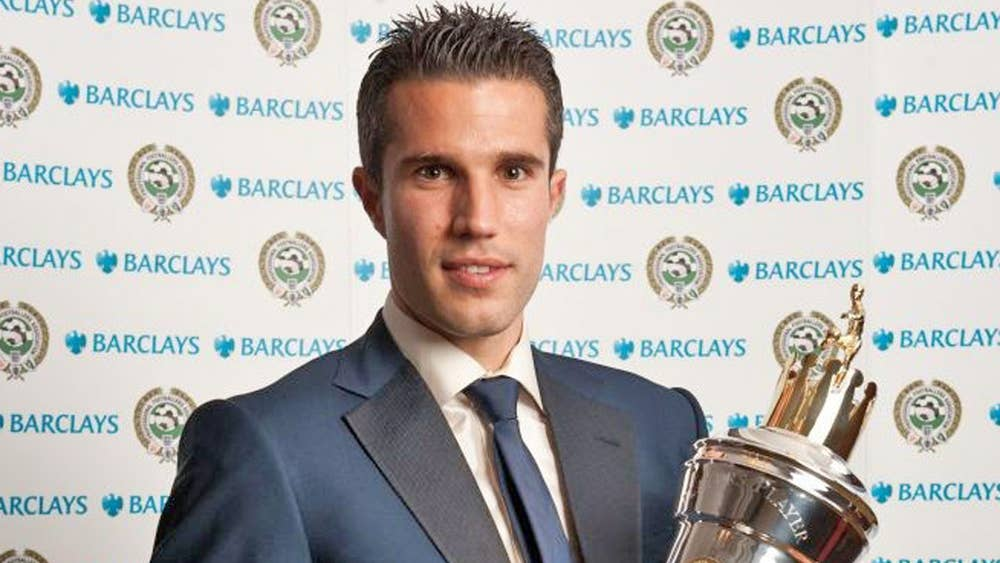 robin van persie wins pfa player of the year award and is quick to