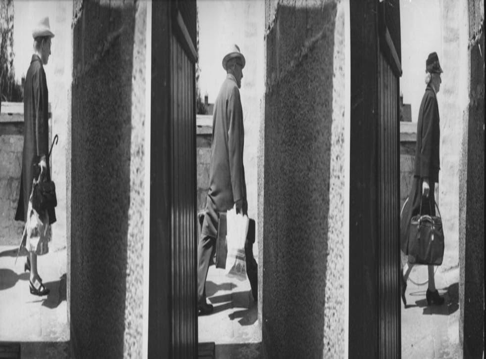 Divided loyalties: Crossing the Berlin Wall