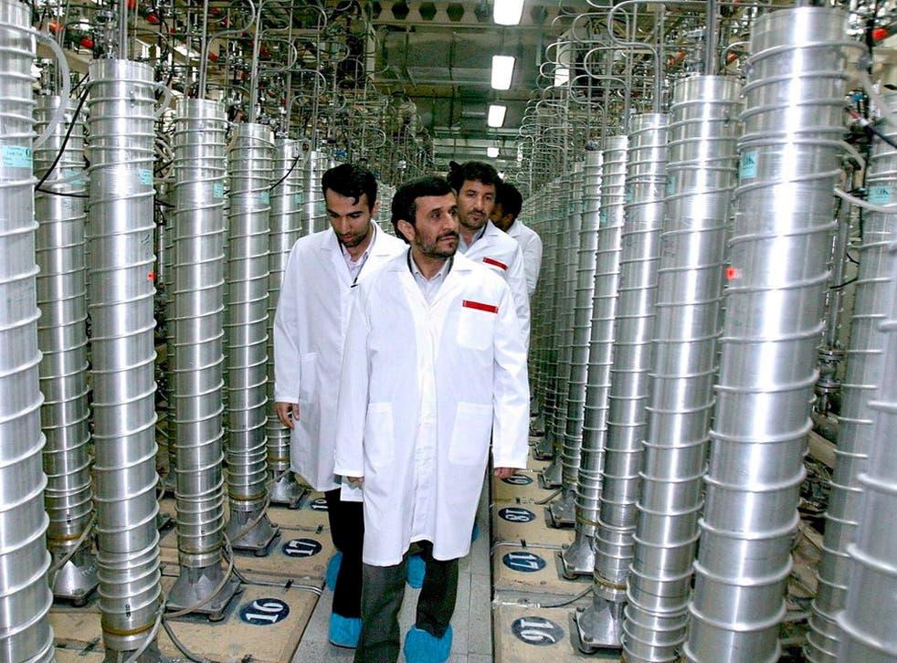 Iran's President Mahmoud Ahmadinejad at Natanz nuclear plant in 2007