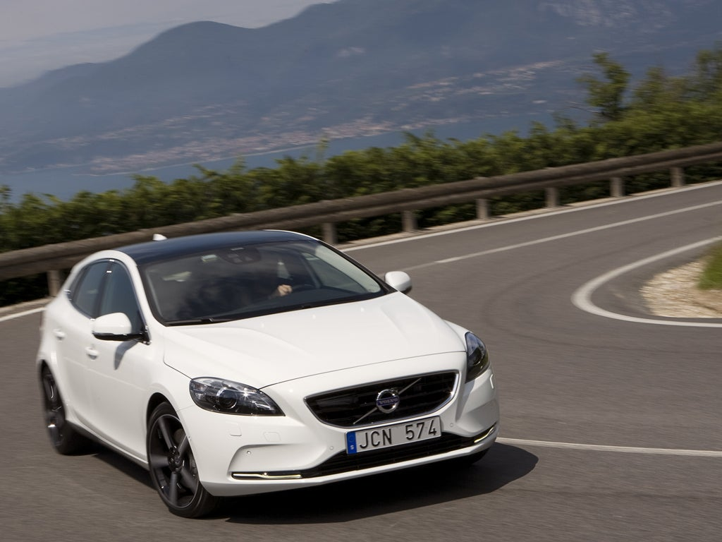 Volvo V40 D2 - First Drive   The Independent