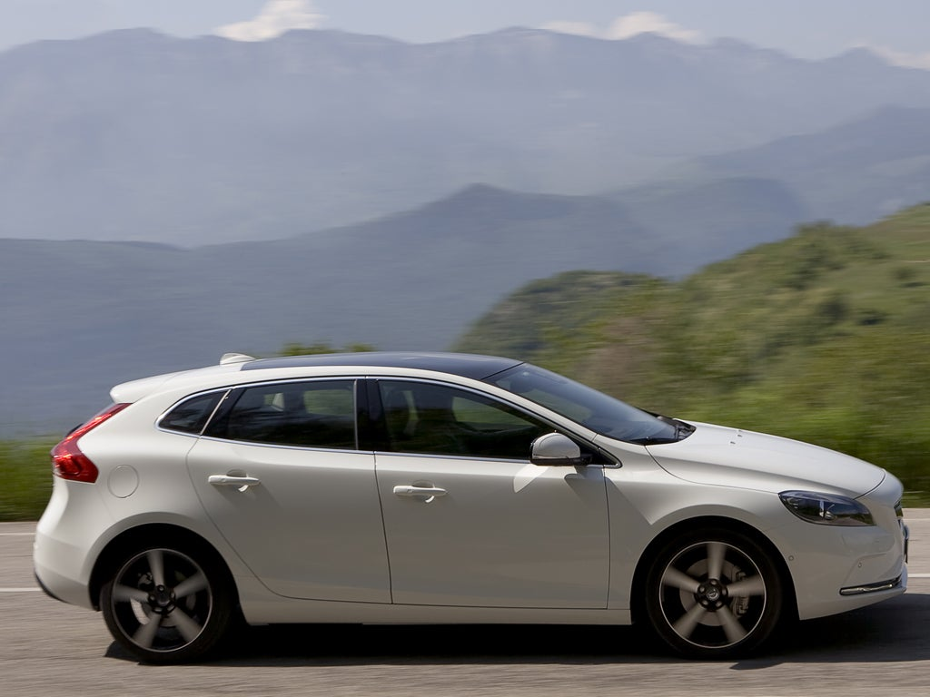 Volvo V40 D2 - First Drive | The Independent