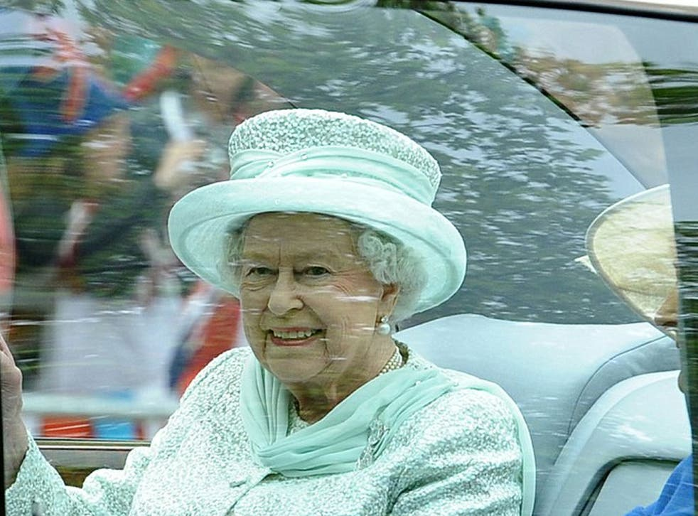 The Queen left Buckingham Palace for a formal Jubilee thanksgiving service at St Paul's Cathedral