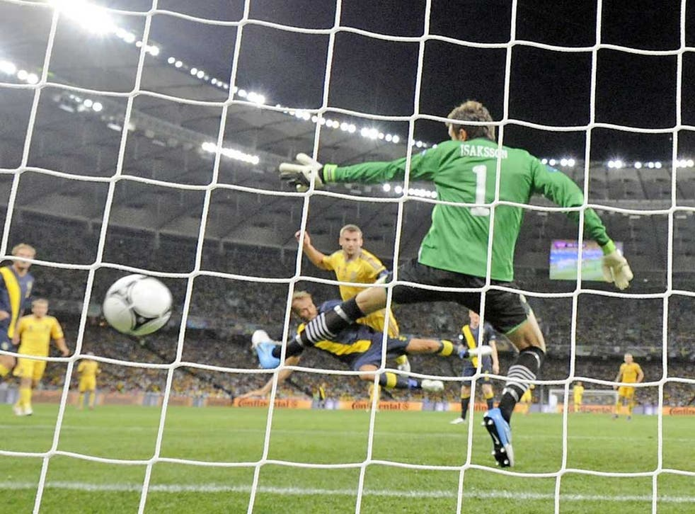<b>SWEDEN</b><br/>   <b>Andreas Isaksson (pictured): </b> Not really to blame for either Ukranian goal and made a couple of commanding claims. 6  <br/> <b>Mikael Lustig: </b> Did his best to get forward, but looked vulnerable in defence and left the near