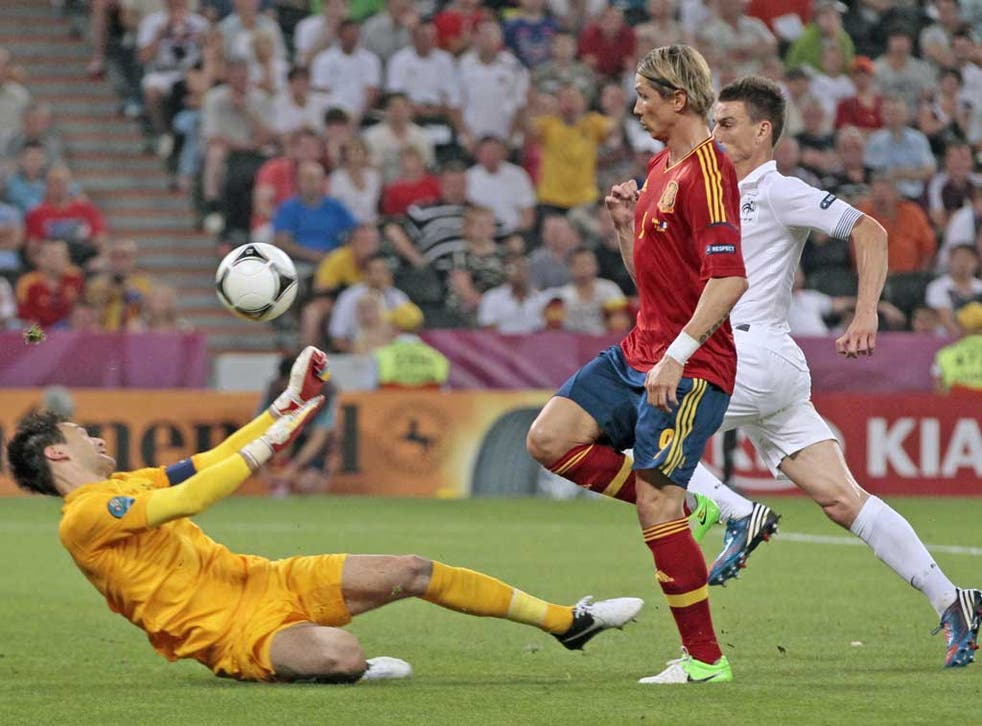 Fernando Torres came on belatedly against France as Spain finally turned to a recognised striker